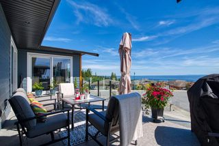 "Photo 9: 6349 BAILLIE Road in Sechelt: Sechelt District House for sale in ""ORACLE HEIGHTS"" (Sunshine Coast)  : MLS®# R2469874"