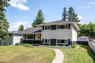 Photo 2: 2604 CHEROKEE Drive NW in Calgary: Charleswood Detached for sale : MLS®# A1019102