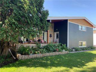 Photo 3: 55 Galinee Bay in Winnipeg: Westwood Residential for sale (5G)  : MLS®# 202100697