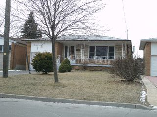 Photo 1: 130 KITCHENER RD in TORONTO: Freehold for sale