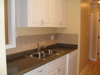"""Photo 4: #104 33598 GEORGE FERGUSON WAY in ABBOTSFORD: Central Abbotsford Condo for rent in """"NELSON MANOR"""" (Abbotsford)"""