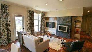 Photo 3: 77 Maple Creek Ddrive in Winnipeg: Residential for sale (South Winnipeg)  : MLS®# 1208663