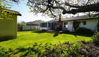 Photo 7: 1710 143B Street in Surrey: Sunnyside Park Surrey House for sale (South Surrey White Rock)  : MLS®# R2404957