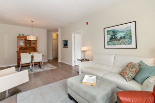 Photo 4: 108 139 W 22ND STREET in North Vancouver: Central Lonsdale Condo for sale : MLS®# R2402115