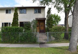 Photo 1: 553 Berwick Place in Winnipeg: Fort Rouge Residential for sale (1Aw)  : MLS®# 202017130