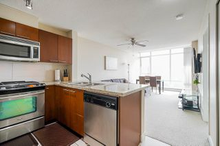 """Photo 3: 1211 9171 FERNDALE Road in Richmond: McLennan North Condo for sale in """"FULLERTON"""" : MLS®# R2497678"""
