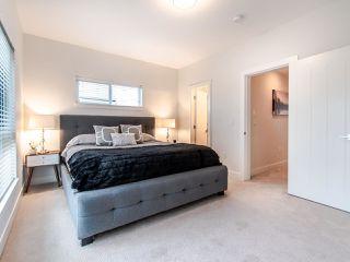 "Photo 13: 209 2277 OAK MEADOWS Drive in Surrey: Grandview Surrey Townhouse for sale in ""Soho II"" (South Surrey White Rock)  : MLS®# R2520163"