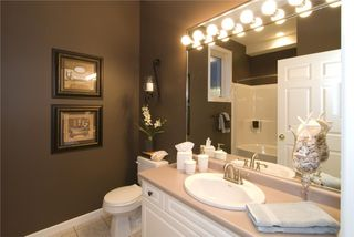 Photo 7: 2114 Lillooet Crescent in Kelowna: Other for sale : MLS®# 10003319