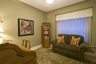 Photo 11: 2114 Lillooet Crescent in Kelowna: Other for sale : MLS®# 10003319