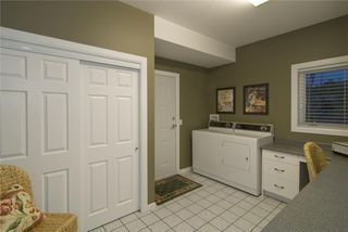Photo 8: 2114 Lillooet Crescent in Kelowna: Other for sale : MLS®# 10003319