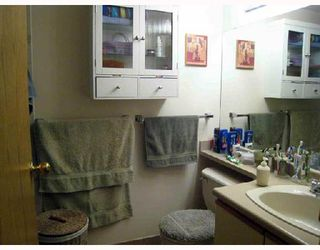 """Photo 7: 702 5790 PATTERSON Avenue in Burnaby: Metrotown Condo for sale in """"REGENT"""" (Burnaby South)  : MLS®# V669364"""