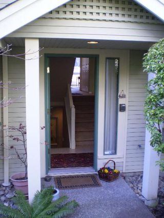 Photo 1: # 2  229 E 8 TH ST.: House for sale (Central Lonsdale)