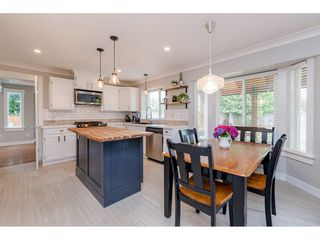 "Photo 5: 6105 187A Street in Surrey: Cloverdale BC House for sale in ""Eaglecrest"" (Cloverdale)  : MLS®# R2392884"