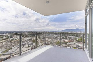 """Photo 14: 2105 1788 GILMORE Avenue in Burnaby: Brentwood Park Condo for sale in """"Escala"""" (Burnaby North)  : MLS®# R2396907"""