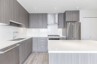 """Photo 3: 2105 1788 GILMORE Avenue in Burnaby: Brentwood Park Condo for sale in """"Escala"""" (Burnaby North)  : MLS®# R2396907"""