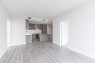 """Photo 7: 2105 1788 GILMORE Avenue in Burnaby: Brentwood Park Condo for sale in """"Escala"""" (Burnaby North)  : MLS®# R2396907"""