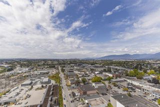 """Photo 15: 2105 1788 GILMORE Avenue in Burnaby: Brentwood Park Condo for sale in """"Escala"""" (Burnaby North)  : MLS®# R2396907"""