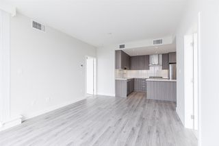 """Photo 8: 2105 1788 GILMORE Avenue in Burnaby: Brentwood Park Condo for sale in """"Escala"""" (Burnaby North)  : MLS®# R2396907"""