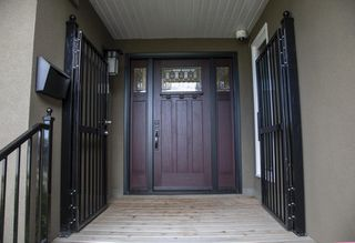Photo 2: 11507 10 Avenue in Edmonton: Zone 16 House for sale : MLS®# E4172209