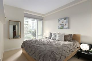 "Photo 14: 40 38 W 1ST Avenue in Vancouver: False Creek Townhouse for sale in ""THE ONE"" (Vancouver West)  : MLS®# R2429146"