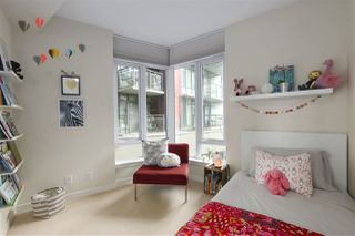 "Photo 11: 40 38 W 1ST Avenue in Vancouver: False Creek Townhouse for sale in ""THE ONE"" (Vancouver West)  : MLS®# R2429146"