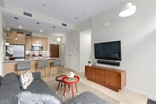 "Photo 5: 40 38 W 1ST Avenue in Vancouver: False Creek Townhouse for sale in ""THE ONE"" (Vancouver West)  : MLS®# R2429146"