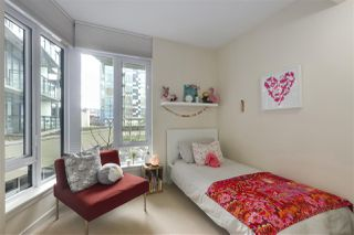 "Photo 12: 40 38 W 1ST Avenue in Vancouver: False Creek Townhouse for sale in ""THE ONE"" (Vancouver West)  : MLS®# R2429146"