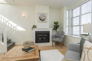 "Photo 4: 203 657 W 7TH Avenue in Vancouver: Fairview VW Townhouse for sale in ""The Ivys"" (Vancouver West)  : MLS®# R2438858"