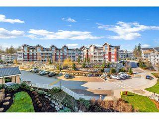 "Photo 14: 408 6440 194 Street in Surrey: Clayton Condo for sale in ""WATERSTONE"" (Cloverdale)  : MLS®# R2441400"
