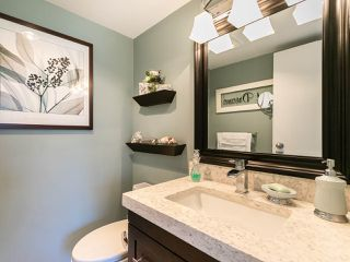 """Photo 14: 446 658 LEG IN BOOT Square in Vancouver: False Creek Condo for sale in """"Heather Bay Quay"""" (Vancouver West)  : MLS®# R2445945"""