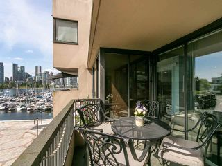 """Photo 18: 446 658 LEG IN BOOT Square in Vancouver: False Creek Condo for sale in """"Heather Bay Quay"""" (Vancouver West)  : MLS®# R2445945"""