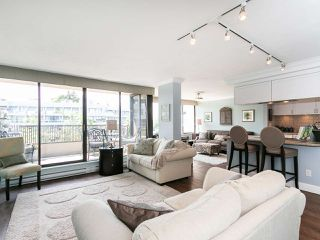 """Photo 2: 446 658 LEG IN BOOT Square in Vancouver: False Creek Condo for sale in """"Heather Bay Quay"""" (Vancouver West)  : MLS®# R2445945"""