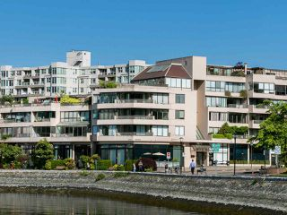 """Photo 19: 446 658 LEG IN BOOT Square in Vancouver: False Creek Condo for sale in """"Heather Bay Quay"""" (Vancouver West)  : MLS®# R2445945"""