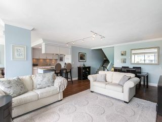 """Photo 4: 446 658 LEG IN BOOT Square in Vancouver: False Creek Condo for sale in """"Heather Bay Quay"""" (Vancouver West)  : MLS®# R2445945"""