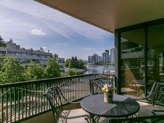 """Photo 17: 446 658 LEG IN BOOT Square in Vancouver: False Creek Condo for sale in """"Heather Bay Quay"""" (Vancouver West)  : MLS®# R2445945"""