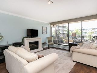 """Photo 3: 446 658 LEG IN BOOT Square in Vancouver: False Creek Condo for sale in """"Heather Bay Quay"""" (Vancouver West)  : MLS®# R2445945"""