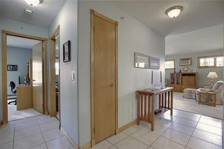 Photo 5: 235 6868 SIERRA MORENA Boulevard SW in Calgary: Signal Hill Apartment for sale : MLS®# C4301942