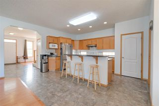 Photo 8: 9904 144 Avenue in Edmonton: Zone 27 House for sale : MLS®# E4210323