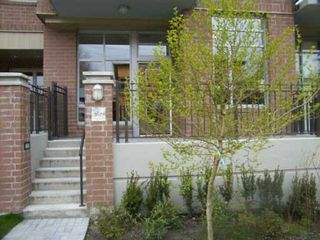 "Photo 2: 2629 PRINCE EDWARD ST in Vancouver: Mount Pleasant VE Townhouse for sale in ""SOMA"" (Vancouver East)  : MLS®# V586864"