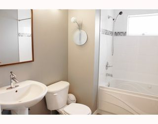 Photo 5: 9520 GLENTHORNE Drive in Richmond: Saunders House for sale : MLS®# V701738