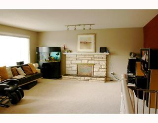 Photo 2: 9520 GLENTHORNE Drive in Richmond: Saunders House for sale : MLS®# V701738