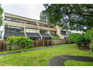 """Photo 15: 96 17716 60 Avenue in Surrey: Cloverdale BC Condo for sale in """"Clover Park Gardens"""" (Cloverdale)  : MLS®# R2405758"""