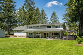 Main Photo: 24082 55 Avenue in Langley: Salmon River House for sale : MLS®# R2411106