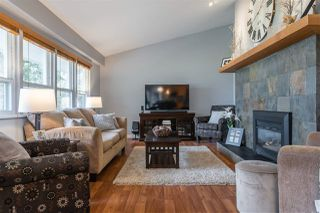 Photo 3: 24082 55 Avenue in Langley: Salmon River House for sale : MLS®# R2411106