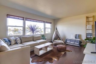 Main Photo: IMPERIAL BEACH House for sale : 3 bedrooms : 827 Grove Avenue