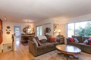 Photo 4: 4942 6 Avenue in Delta: Pebble Hill House for sale (Tsawwassen)  : MLS®# R2421712
