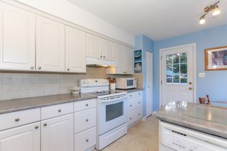 Photo 9: 4942 6 Avenue in Delta: Pebble Hill House for sale (Tsawwassen)  : MLS®# R2421712