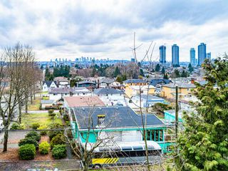 Photo 3: 5181 GEORGIA Street in Burnaby: Capitol Hill BN House for sale (Burnaby North)  : MLS®# R2441798