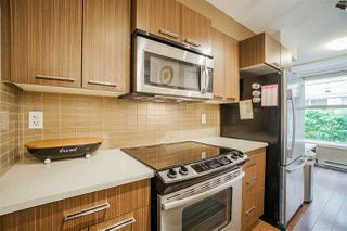 """Photo 7: 216 2110 ROWLAND Street in Port Coquitlam: Central Pt Coquitlam Townhouse for sale in """"Aviva On The Park"""" : MLS®# R2466337"""
