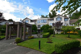 Photo 1: 104 15991 THRIFT Avenue: White Rock Condo for sale (South Surrey White Rock)  : MLS®# R2489488
